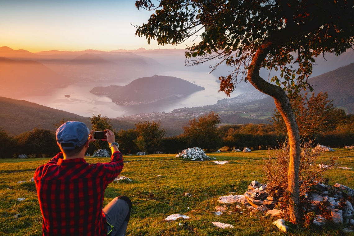 Laghi di Garda, d'Iseo e d'Idro: colori, panorami e attività da praticare