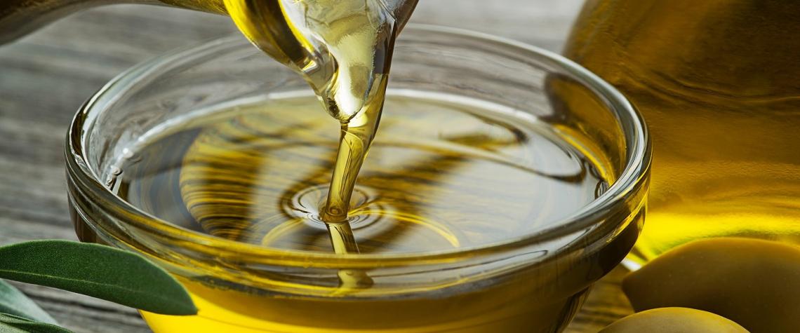 Nelle miscele legali tra olio d'oliva e altri grassi vegetali occorre identificare le proporzioni tra i vari oli
