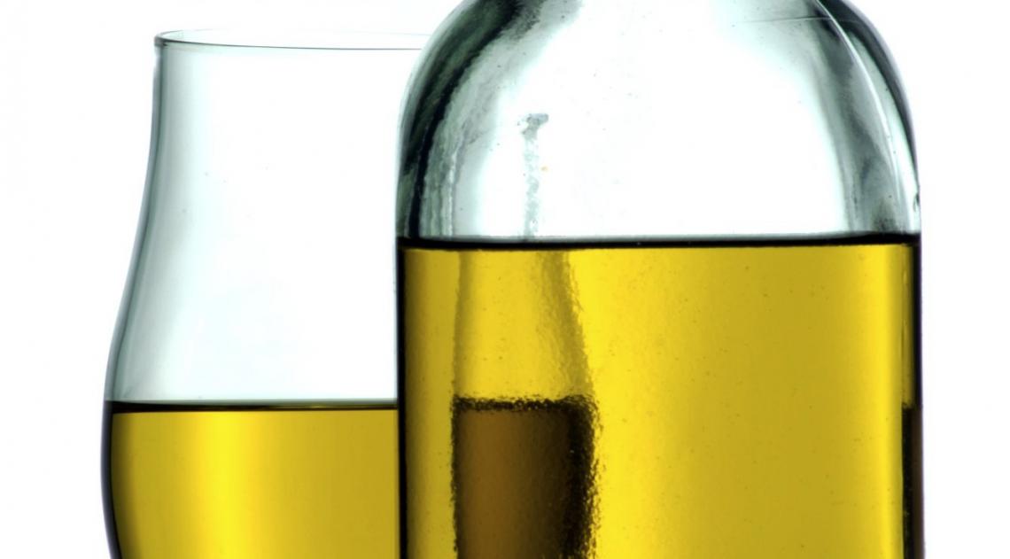 La truffa delle miscele tra olio extra vergine di oliva e olio vergine di oliva