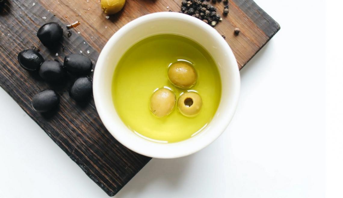 Il mercato dell'olio d'oliva dovrebbe sfiorare i 17 miliardi di dollari nel 2027