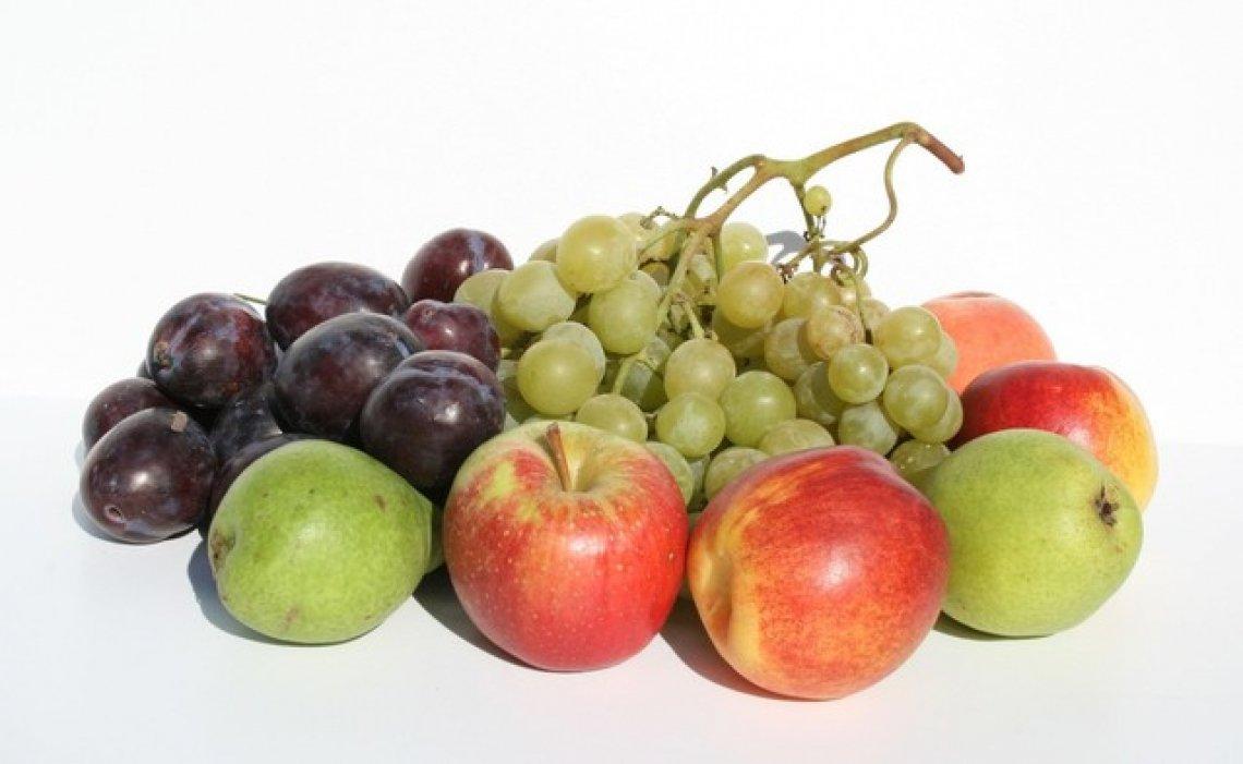 Basta un po' di frutta tutti i giorni per abbassare il rischio diabete