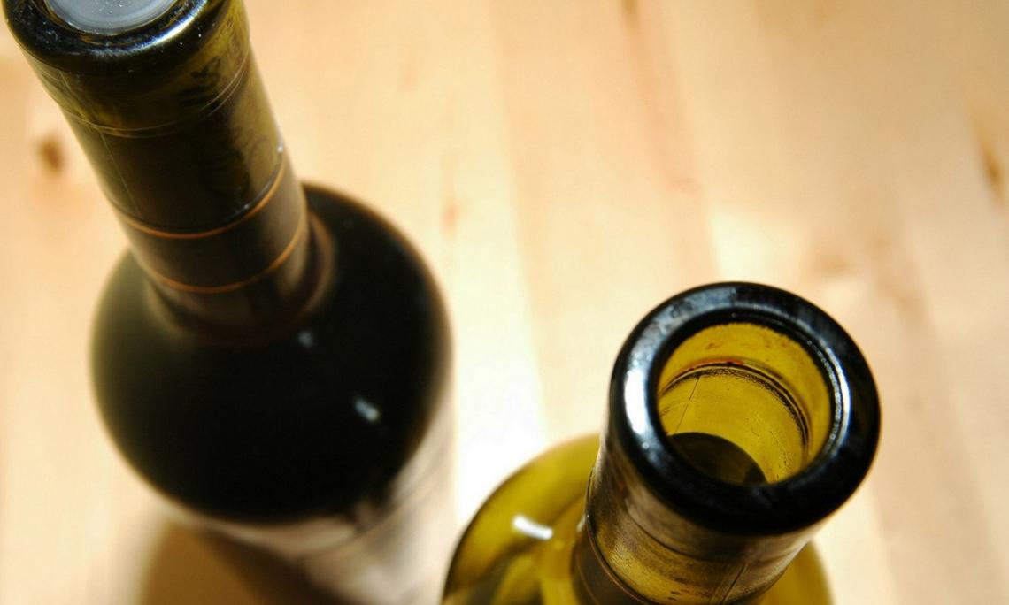 Nuove etichette e prodotti per rispondere alla crisi: il vino italiano si muove