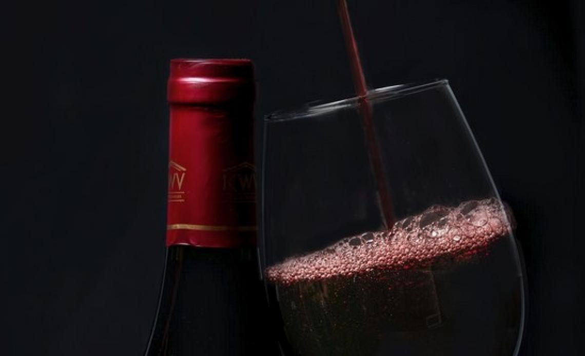 Il vino italiano si rimette in marcia ma le giacenze restano alte