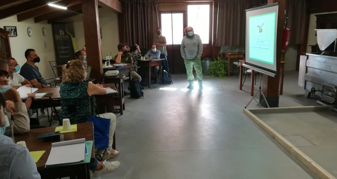 Al via il corso per frantoiani: in Italia per diventare mastri oleari