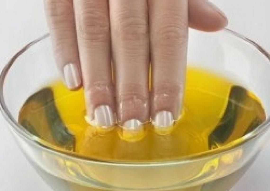 L'idrossitirosolo dell'olio extra vergine d'oliva contro il melanoma della pelle