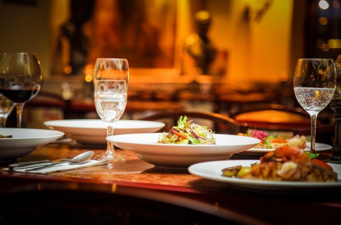 Le città e i paesi più costosi per cenare fuori nei migliori ristoranti Michelin