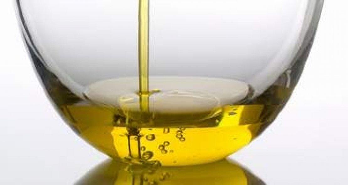 Il mondo nascosto dietro una bottiglia di olio extra vergine di oliva