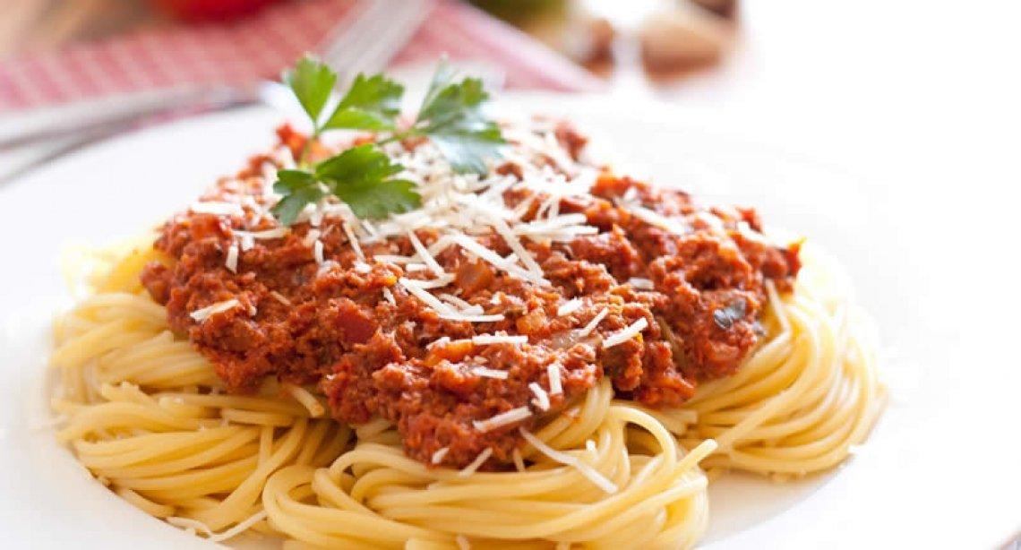 Contraddizioni italiane: meno tempo per il cibo, identificato come fonte di salute e benessere