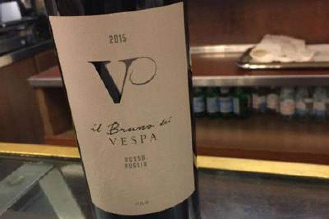 Il vino di Bruno Vespa alla bouvette di Montecitorio, con giallo