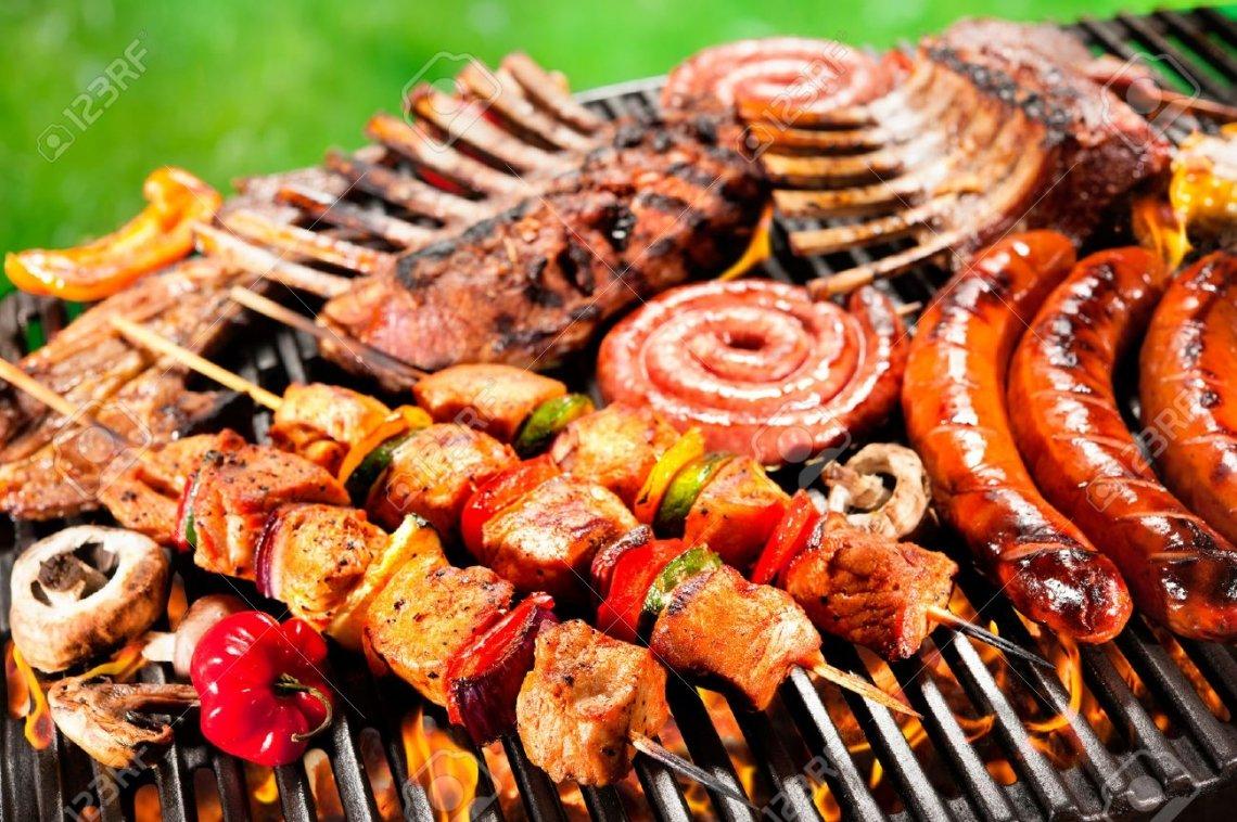 Tempo di grigliate all'aperto: i segreti per un barbecue a regola d'arte