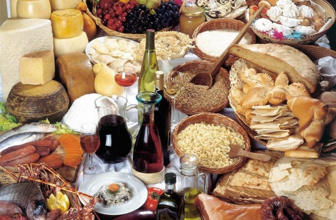 Gigi Riva è testimonial delle eccellenze gastronomiche sarde
