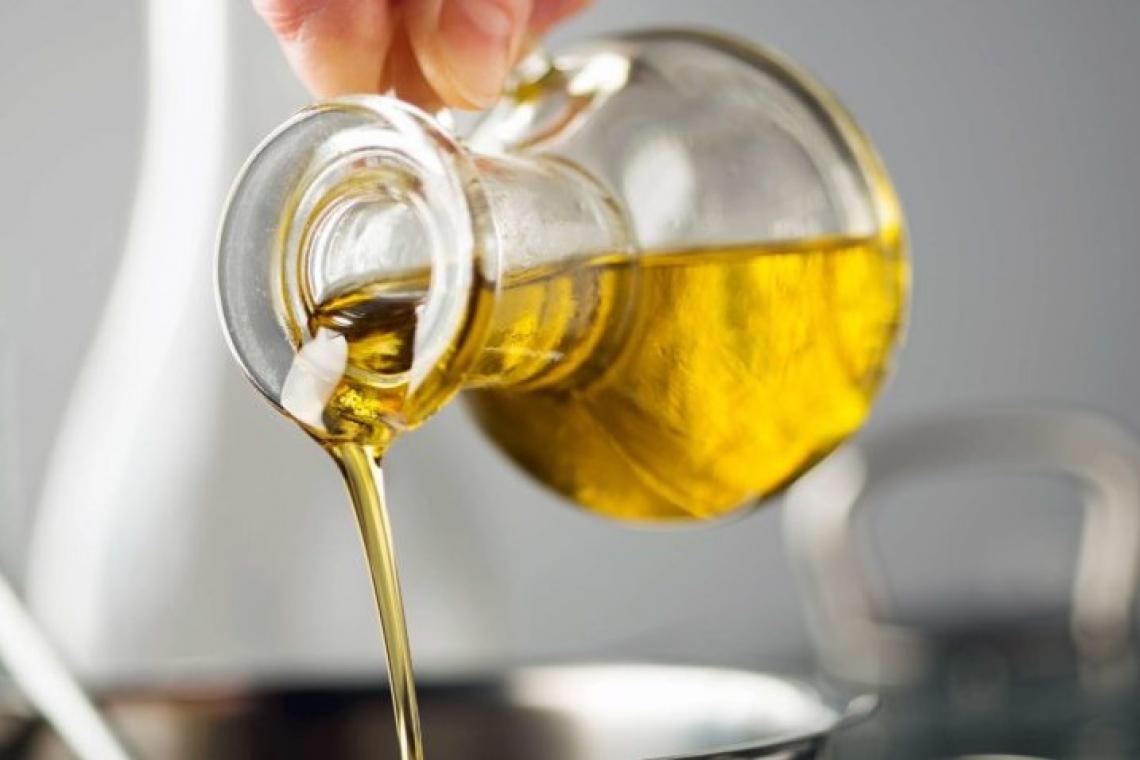 L'olio extra vergine di oliva è buono sempre, l'olio di cocco occasionalmente