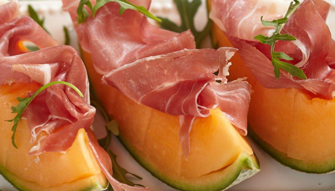 Prosciutto e melone è l'accoppiata vincente per l'estate, sulle tavole e per la salute