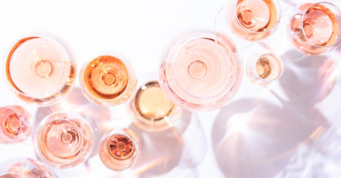 Utilizzo di trucioli di legno di quercia e ciliegio per la maturazione dei vini rosati