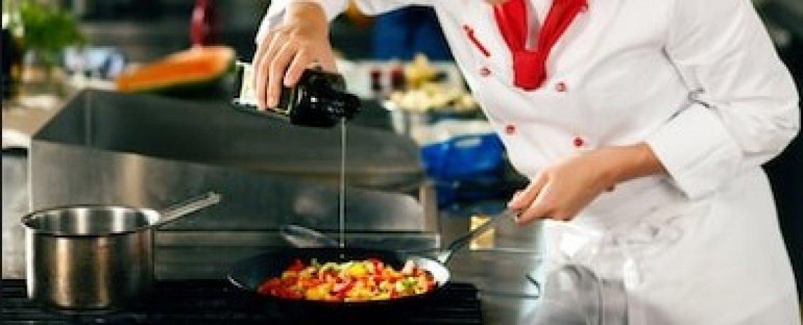 L'olio extra vergine di oliva di eccellenza meglio dell'olio di oliva in cucina
