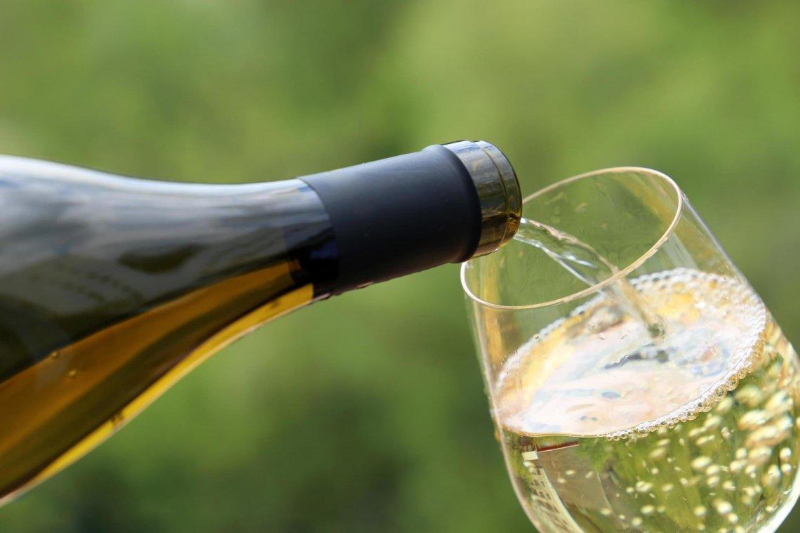 Per quanto tempo si può conservare un vino bianco senza solfiti?