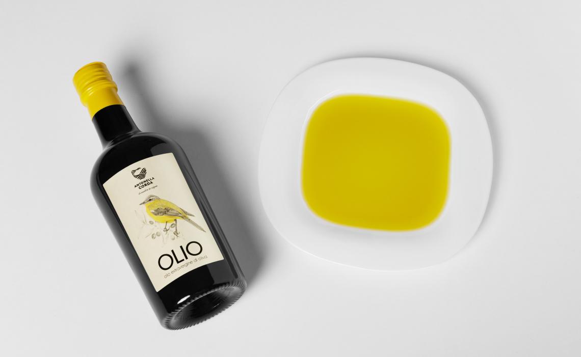 Antonella Corda: nel nuovo olio il sapore della Sardegna