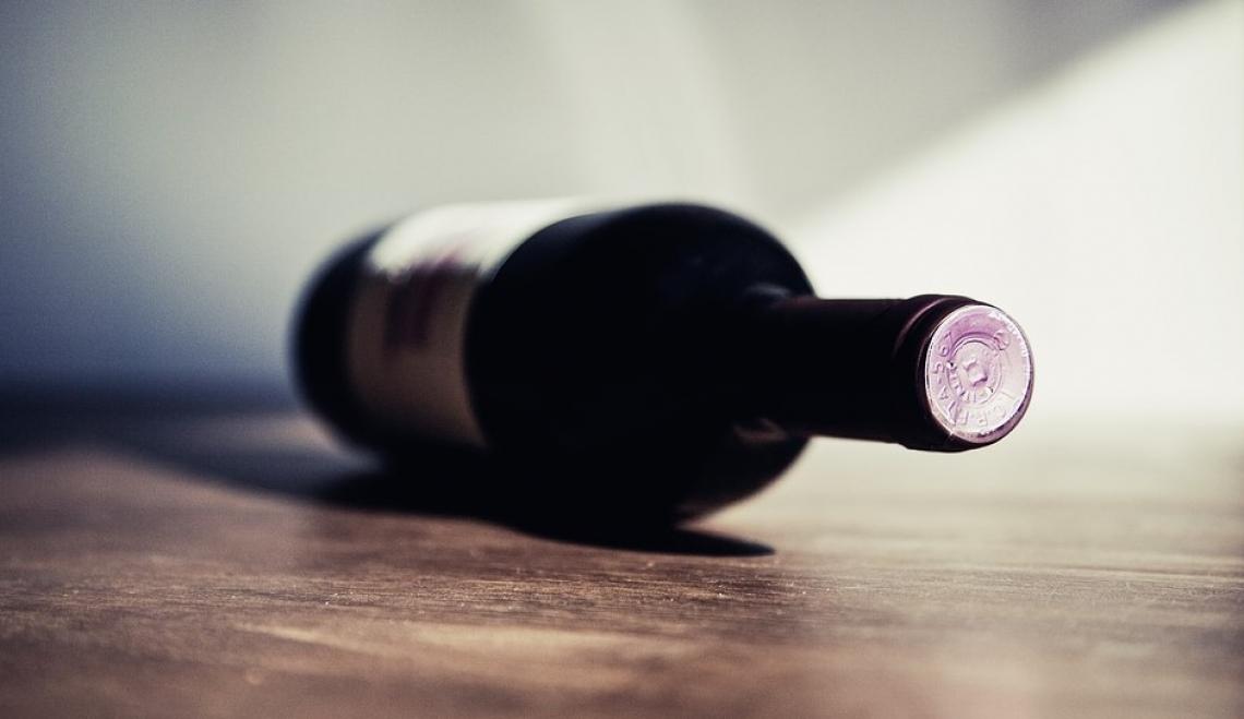 Aumentano gli acquisti on line di vino e alcolici