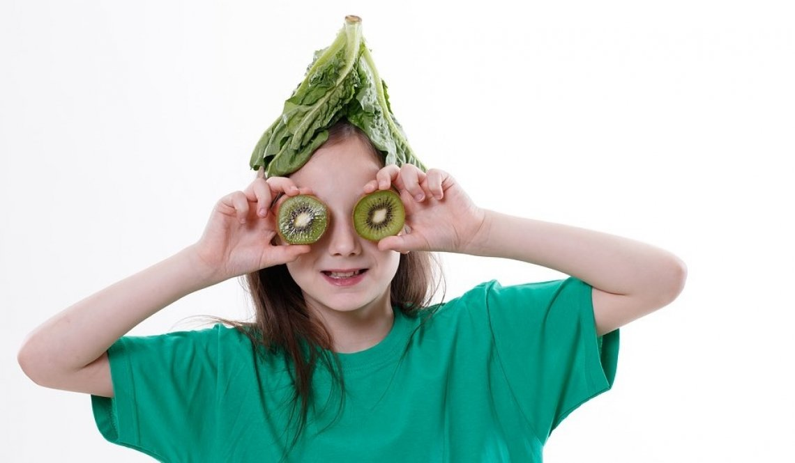 La dieta vegana non è adatta ai bambini: troppi scompensi