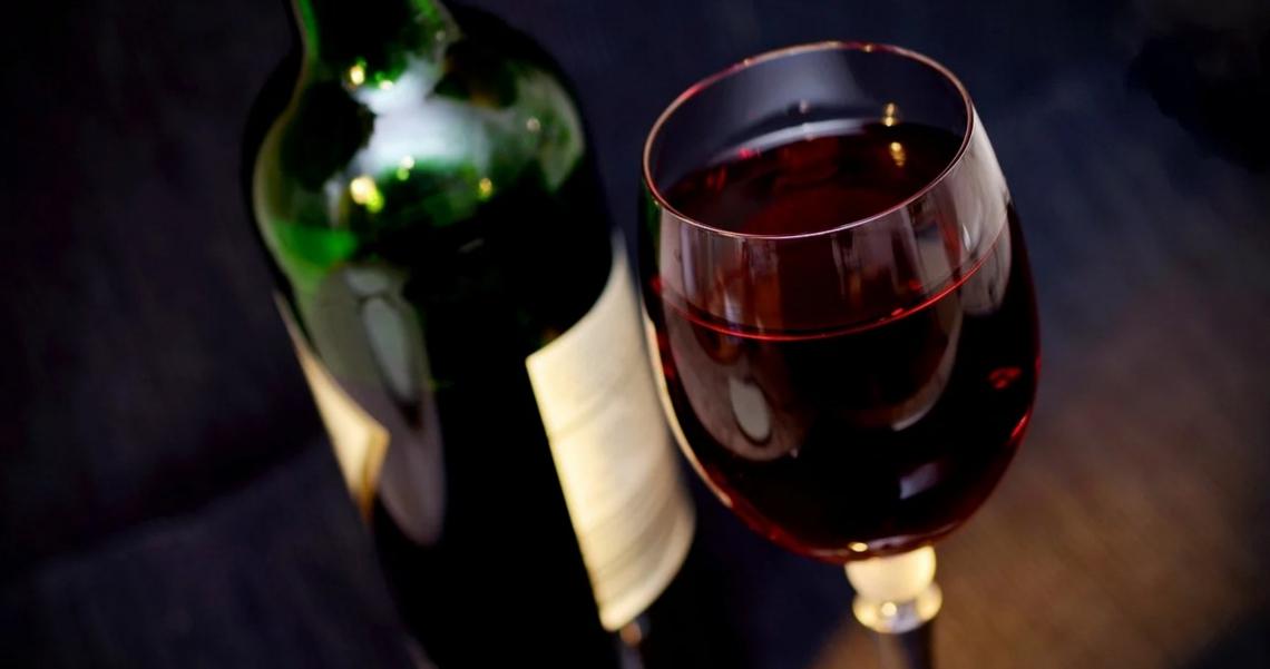 No alla volontà di Bruxelles di mettere il vino nella black list salustistica