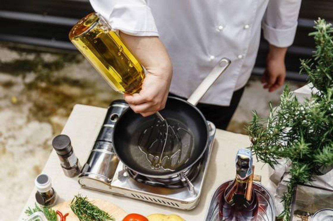Per valorizzare l'olio extra vergine d'oliva c'è un a sola via: quella dell'apparato digerente