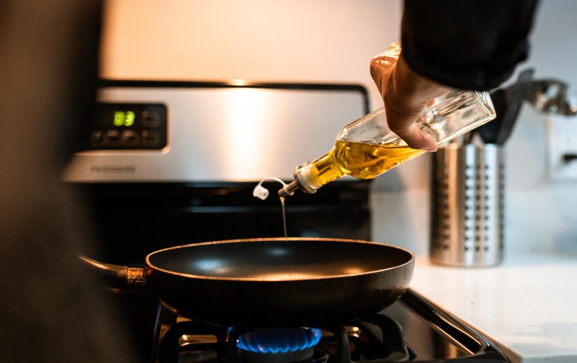 Effetti dell'olio d'oliva e dei suoi componenti minori sulle malattie cardiovascolari, sulle infiammazioni e sul microbiota intestinale