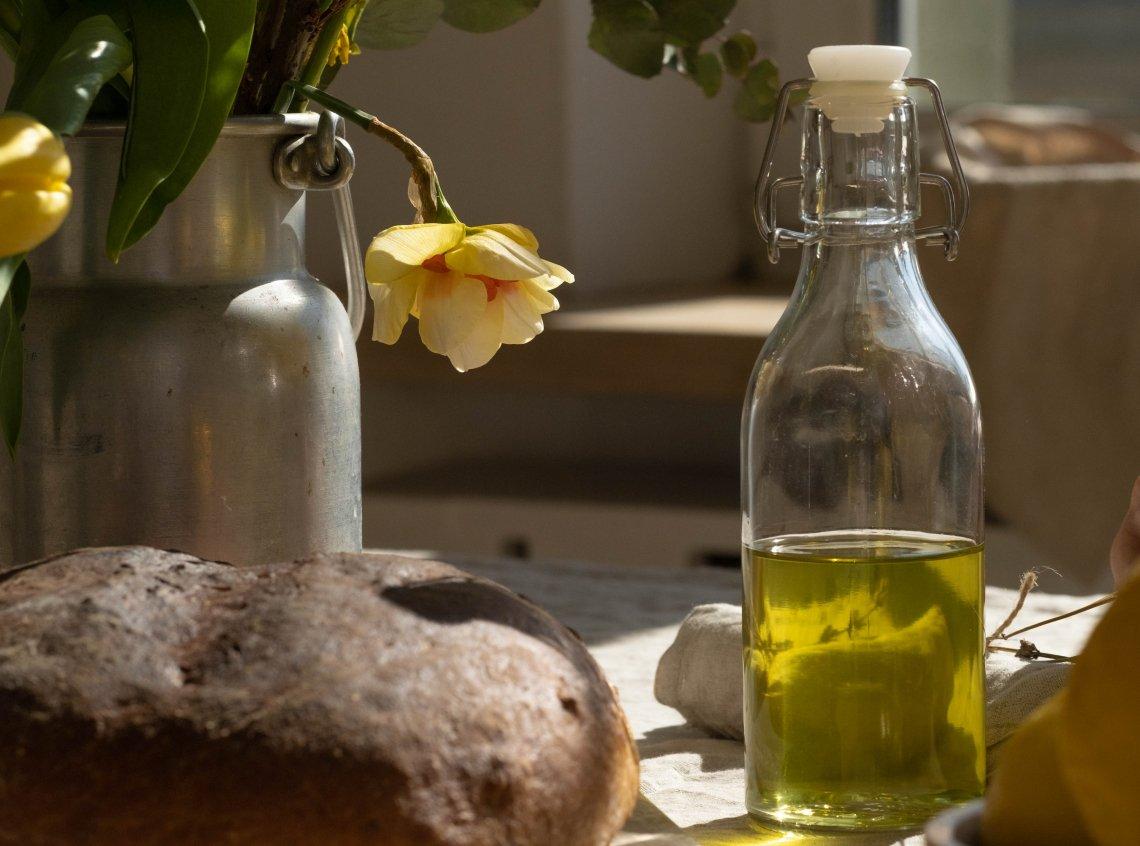 L' acido oleico dell'olio di oliva, aiuta a controllare il senso di fame ed a mantenerci in forma