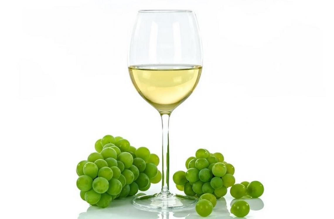Hanseniaspora vineae al posto di  Saccharomyces cerevisiae per migliorare la qualità dei vini bianchi