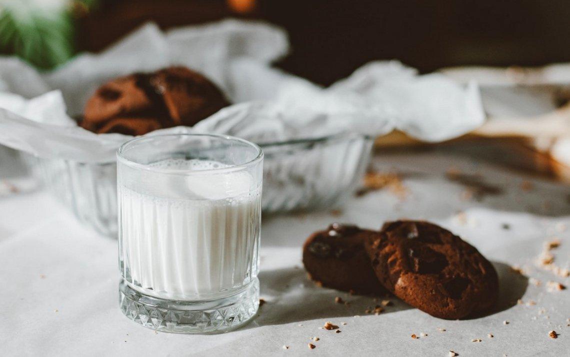 Ecco perchè il latte caldo favorisce il sonno