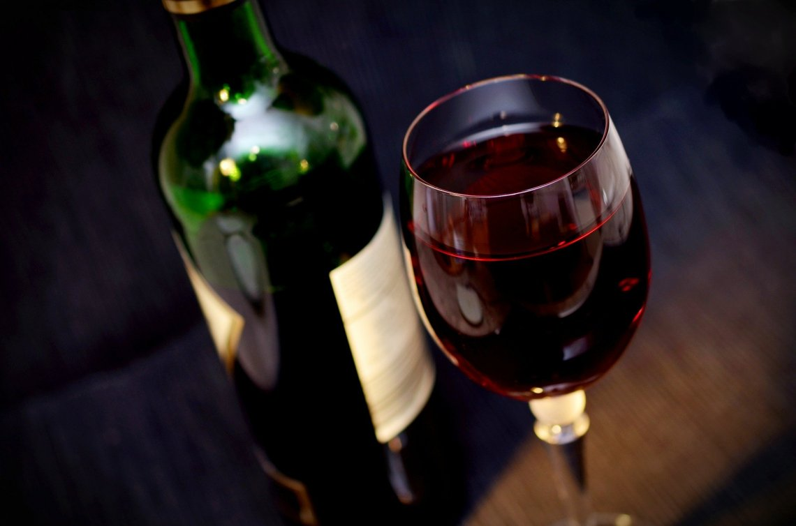 Sul vino politica europea cieca: no ai warning salutistici